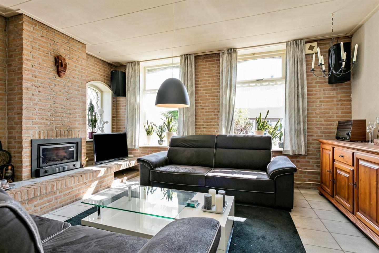 View photo 3 of Langeweg 10