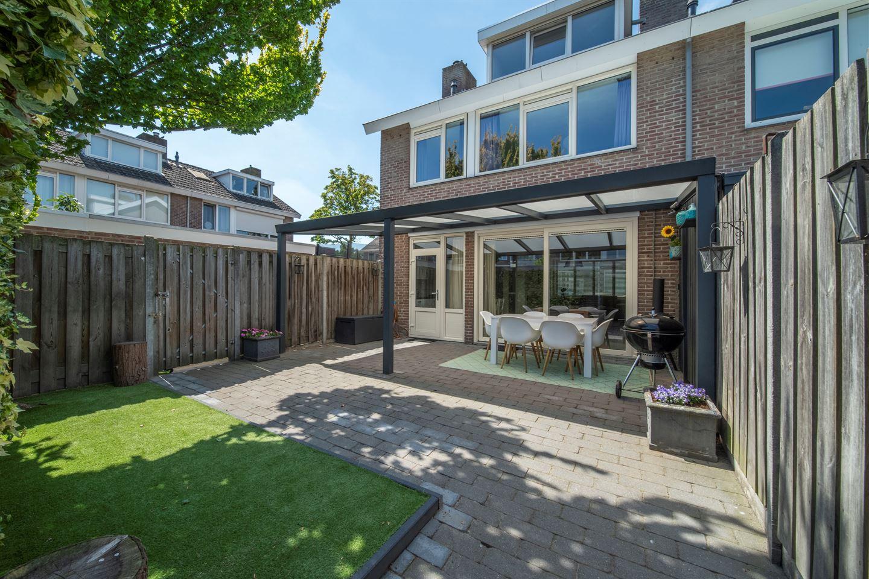 Bekijk foto 2 van Generaal Bentinckstraat 2