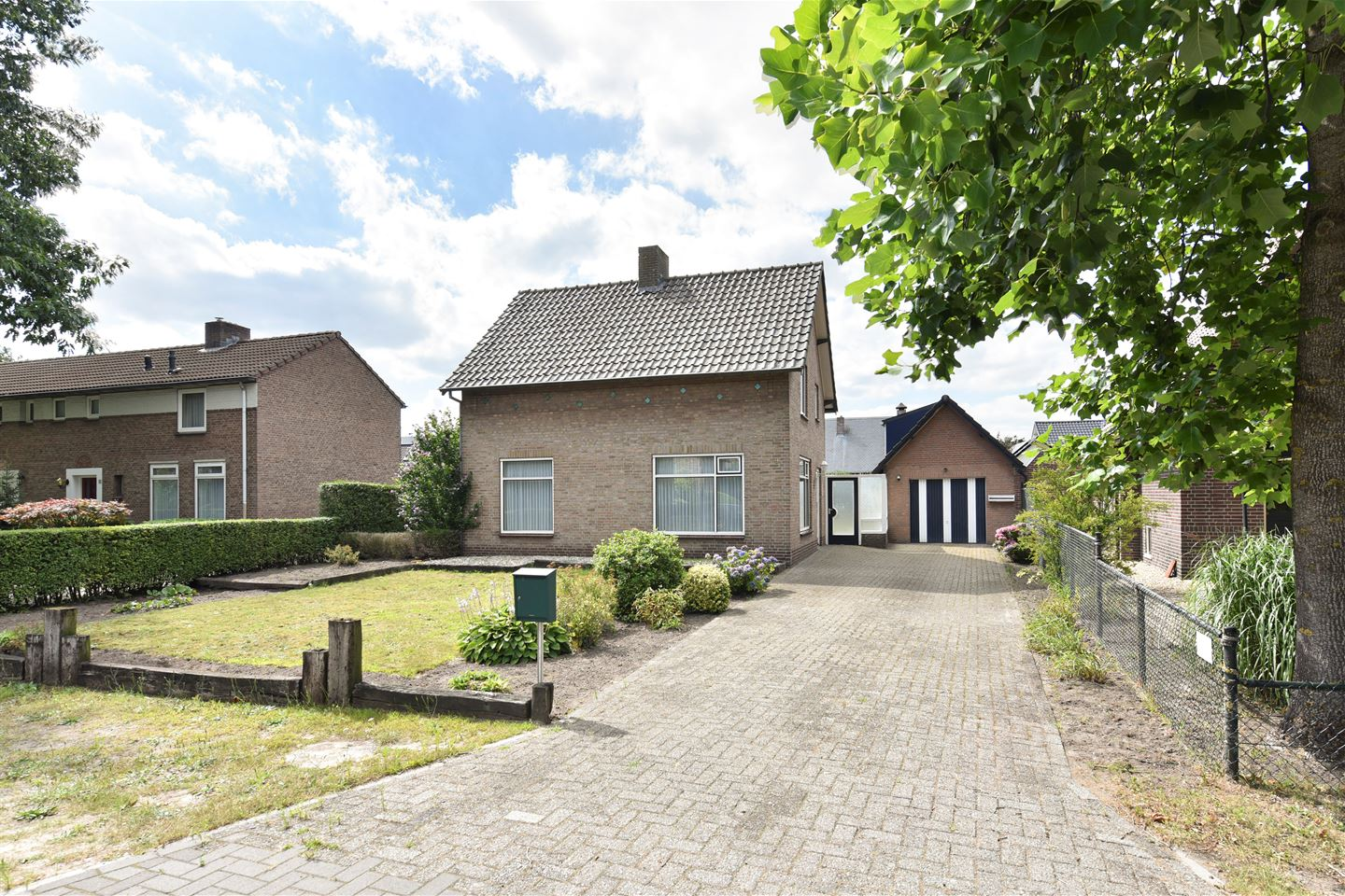 View photo 1 of Wolfstraat 9