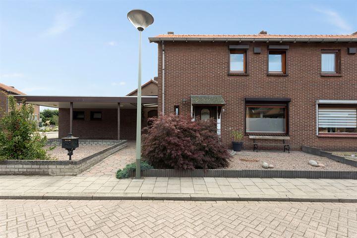 Pastoor Pielsstraat 8