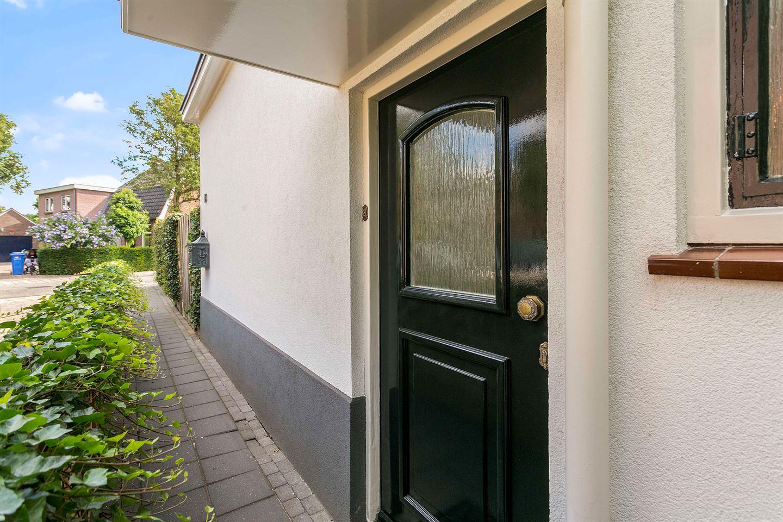 Bekijk foto 2 van Trompstraat 18