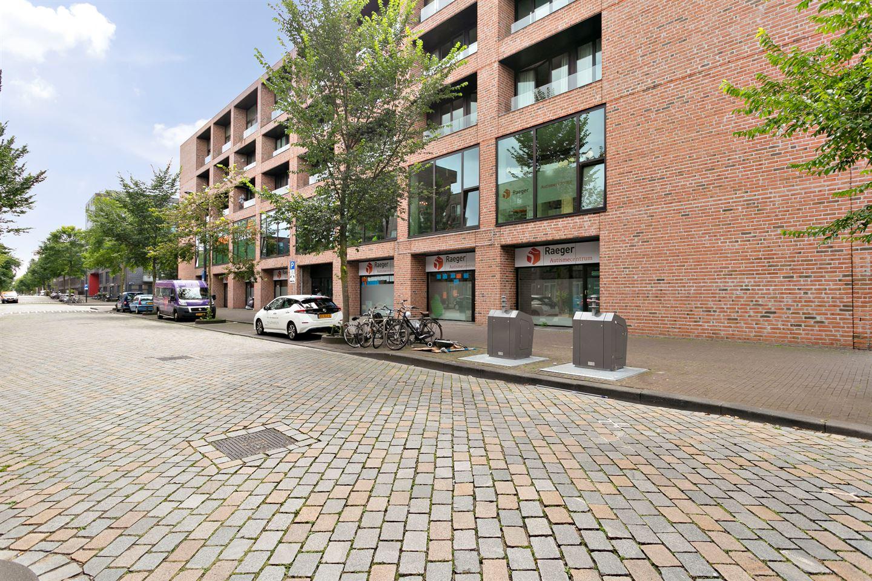 Bekijk foto 2 van Erich Salomonstraat 166