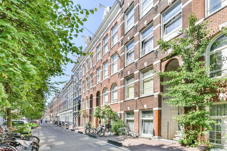Bekijk foto 1 van Govert Flinckstraat 121 IV