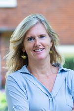 Daphne Lalmy- Dijkstra (Commercieel medewerker)