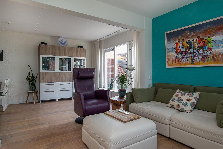 View photo 2 of van Meeuwenstraat 6