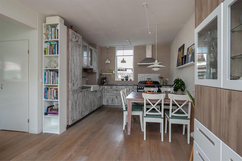 View photo 4 of van Meeuwenstraat 6