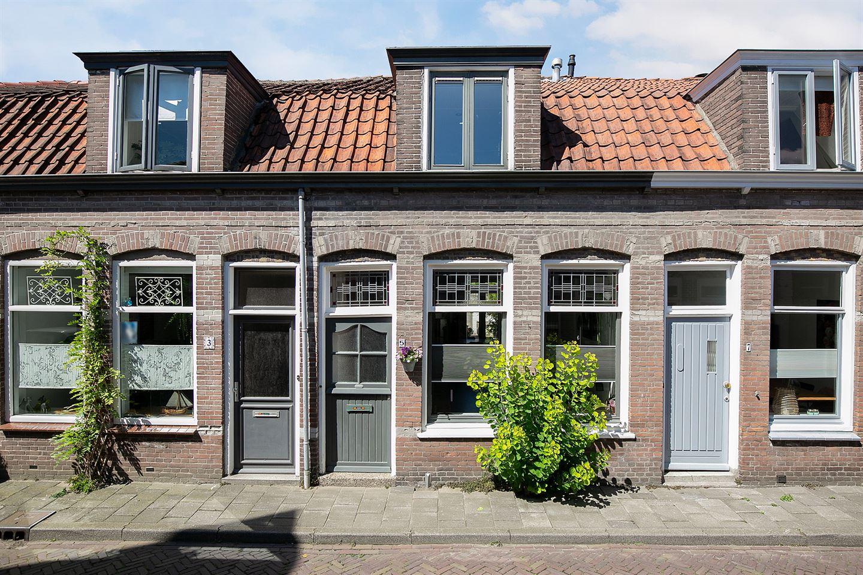Bekijk foto 1 van 1e Landdwarsstraat 5