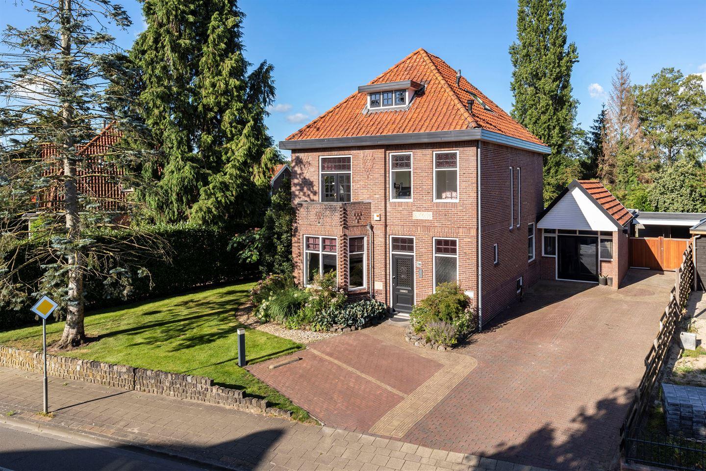 Bekijk foto 1 van Burgemeester Bloemersstraat 70