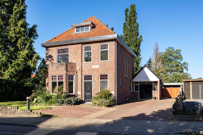 Bekijk foto 2 van Burgemeester Bloemersstraat 70