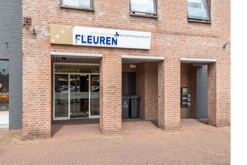Bekijk foto 2 van Piet van Thielplein 44