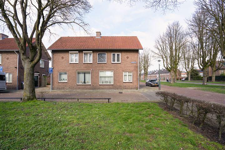 Dr. Poelsstraat 35