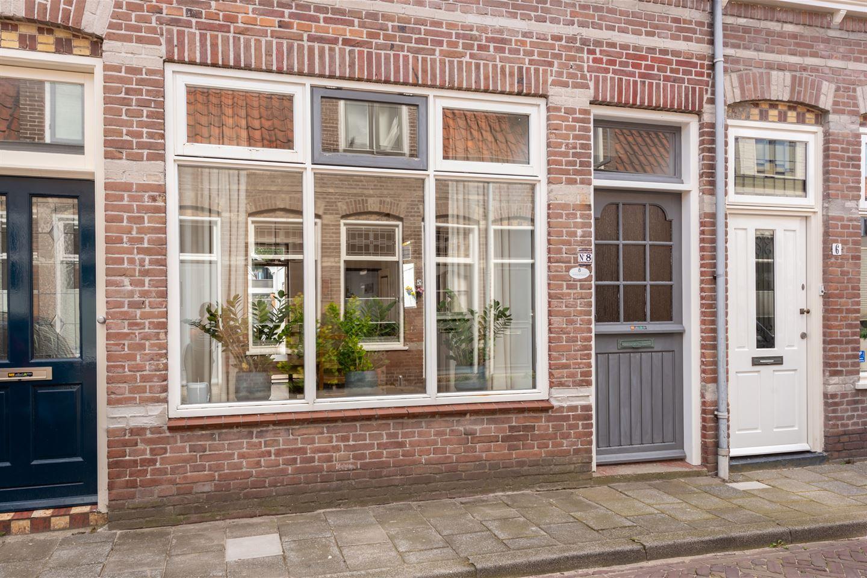 Bekijk foto 2 van 1e Landdwarsstraat 8