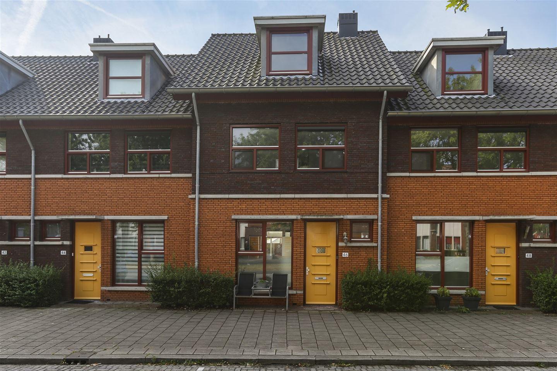 Bekijk foto 2 van Jacob Marisstraat 46