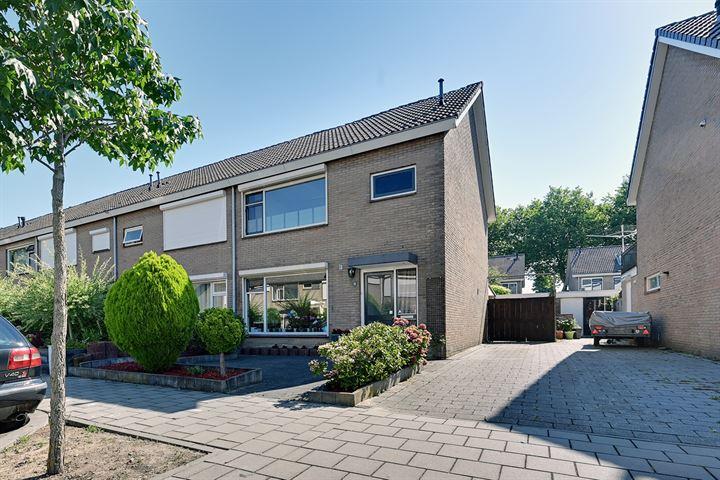 Michiel de Ruyterstraat 18