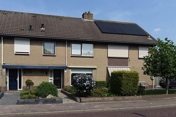 Veldstraat 64