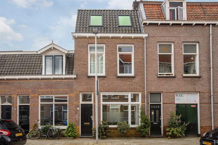 Ferdinand Bolstraat 11