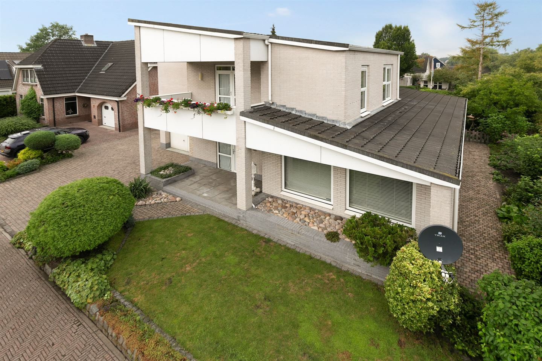 Bekijk foto 2 van Zerkhouwersstraat 68