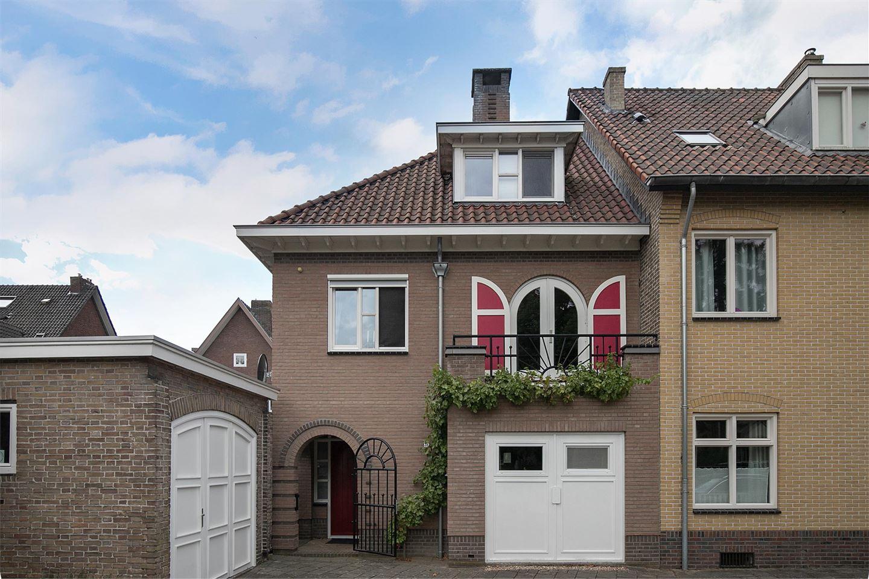 Bekijk foto 1 van Sint Willibrordusstraat 31 A