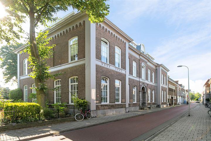 Van Karnebeekstraat 67 C