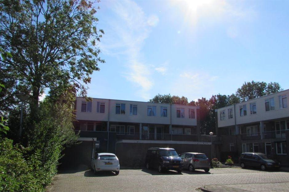 View photo 1 of Zuilenburg 74