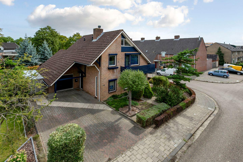 Bekijk foto 2 van Zaanstraat 15