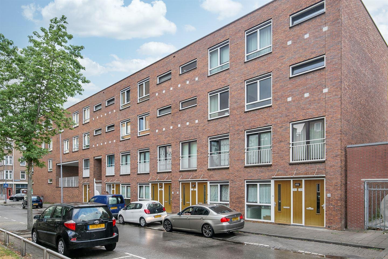 Bekijk foto 2 van Wolphaertsbocht 380