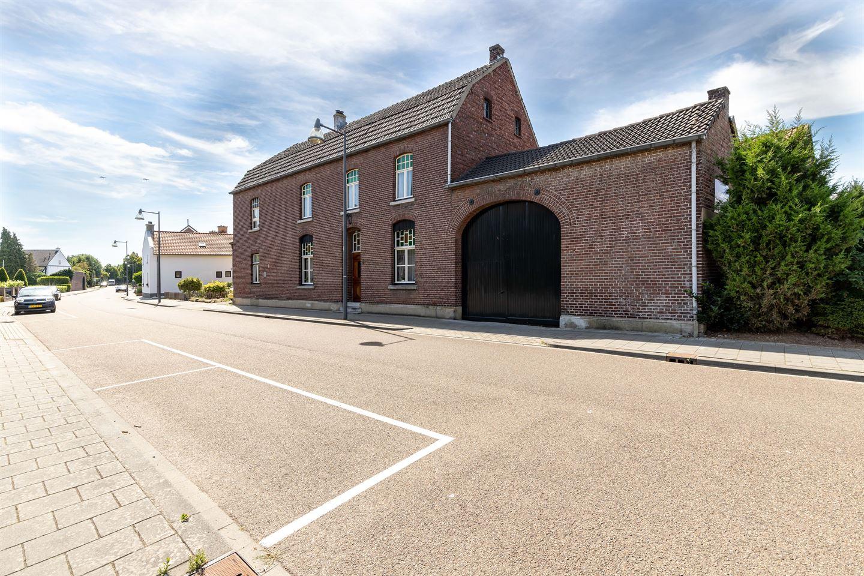 Bekijk foto 2 van Dorpstraat 100