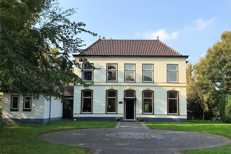 Bekijk foto 1 van Frieseweg 1