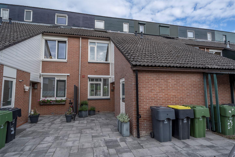 View photo 1 of Hoofdland 7