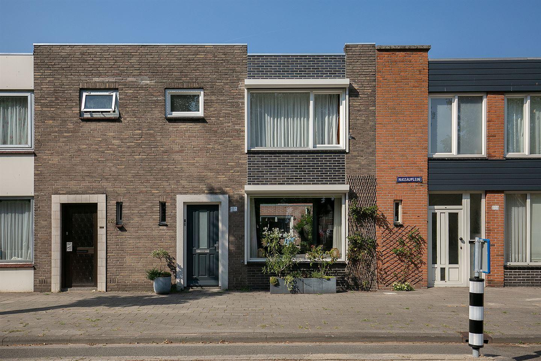 Bekijk foto 1 van Nassauplein 13 a