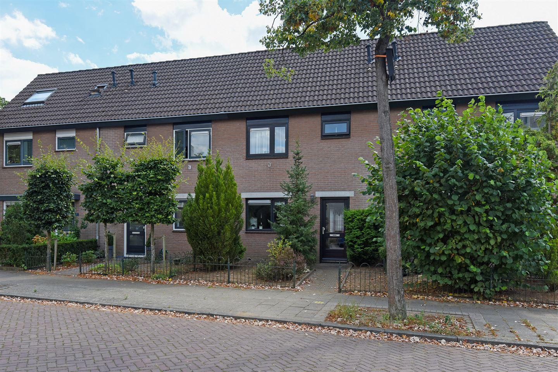 View photo 1 of Pastoor Wichersstraat 3