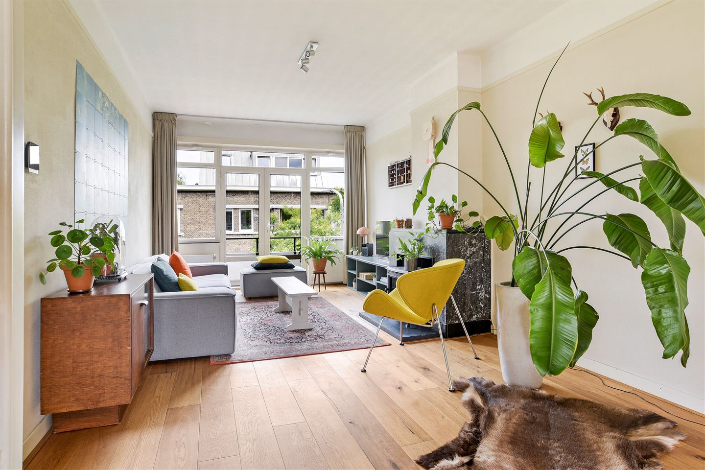 Bekijk foto 1 van Van Heutszstraat 131