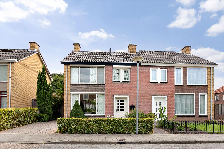 Bekijk foto 1 van Nicolaas Sichmansstraat 3