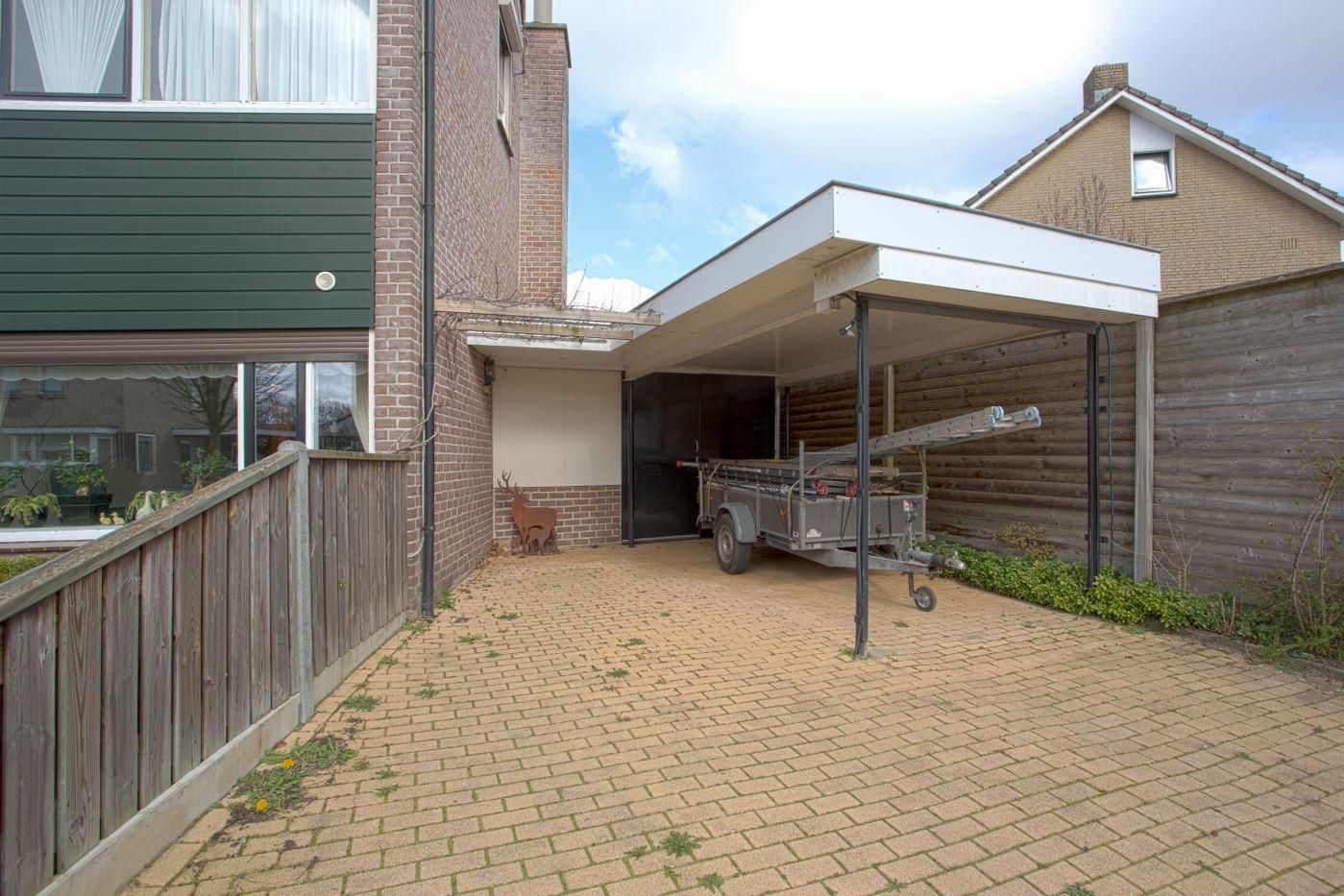 Bekijk foto 5 van Pastoor Gloerichstraat 42