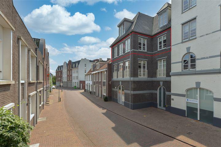 J. Reyneke van Stuwestraat 14
