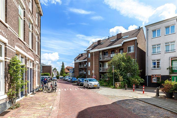 Rozenstraat 104