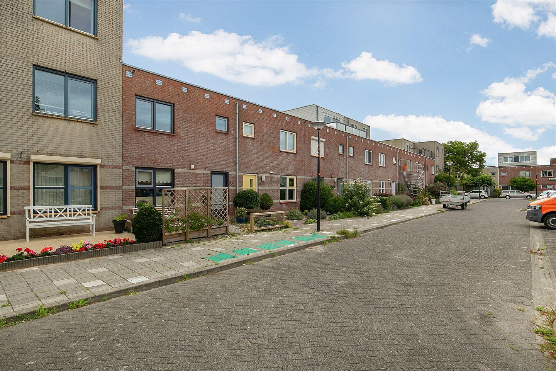 Bekijk foto 3 van Willemijn Posthumustuin 22