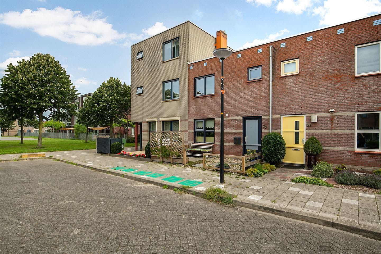 Bekijk foto 2 van Willemijn Posthumustuin 22