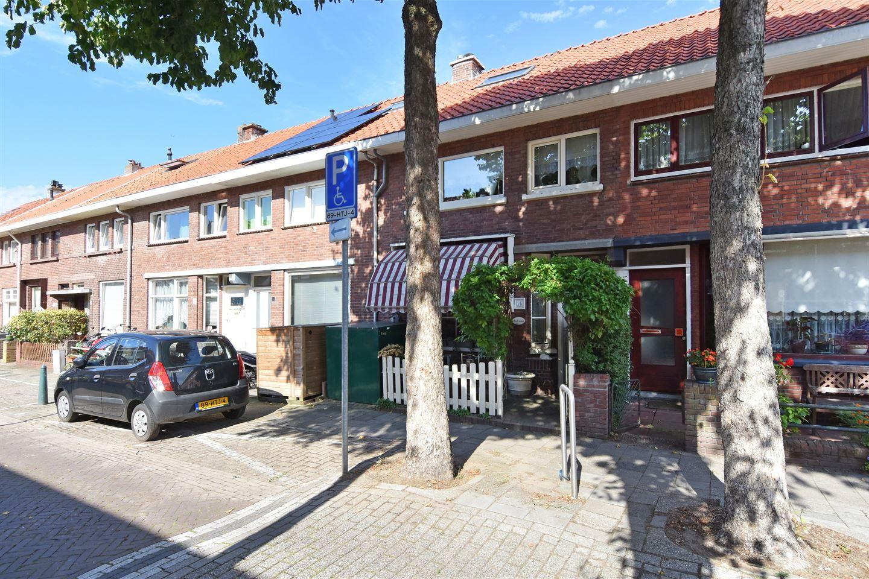 Bekijk foto 1 van Van Vlotenstraat 16