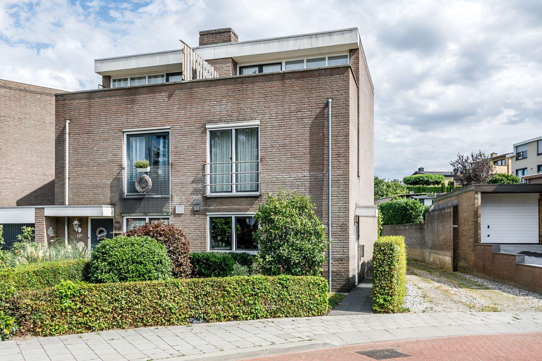 View photo 2 of Pastoor Hagenstraat 10 A