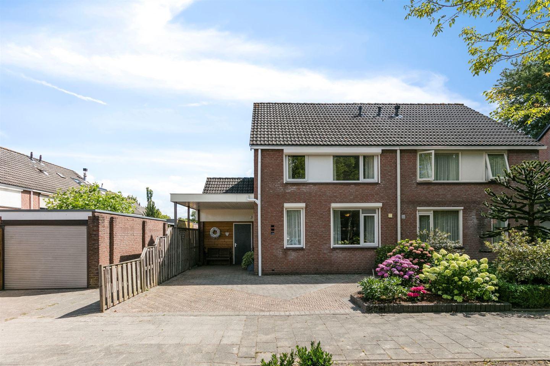 Bekijk foto 1 van Nieuwenhoven 1