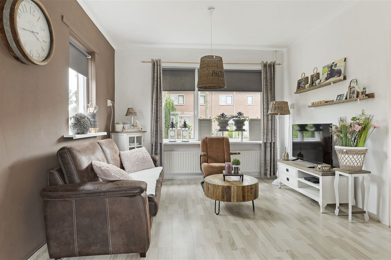 Bekijk foto 3 van Dominee Hoekstrastraat 19