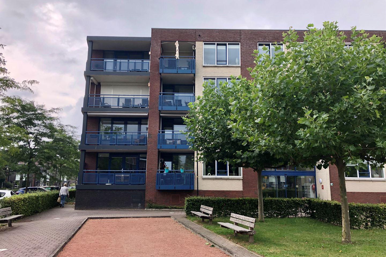 Bekijk foto 2 van Pater Rijkenstraat 66