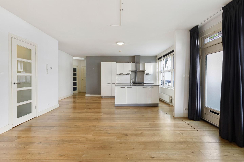 Bekijk foto 3 van Bonairestraat 92 huis