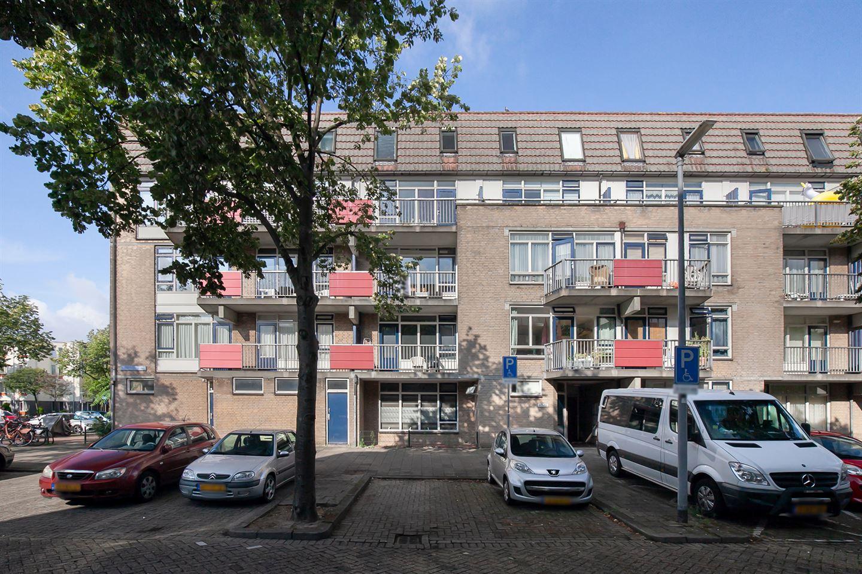 Bekijk foto 1 van Hugo de Grootstraat 111