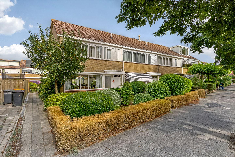 Bekijk foto 1 van van Loenenlaan 43