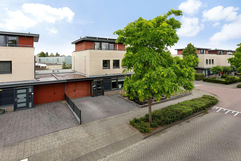 Bekijk foto 2 van Madeliefberg 15