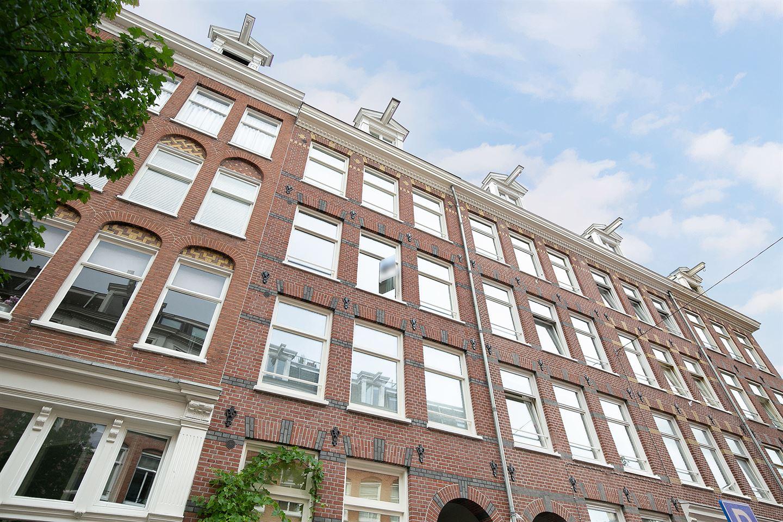 Bekijk foto 2 van Van Oldenbarneveldtstraat 86 IV