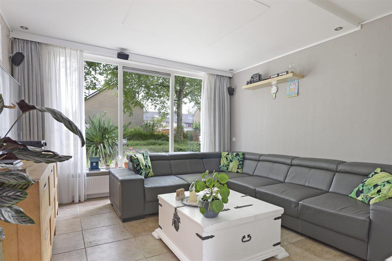 Bekijk foto 2 van Hertog Albrechtstraat 60