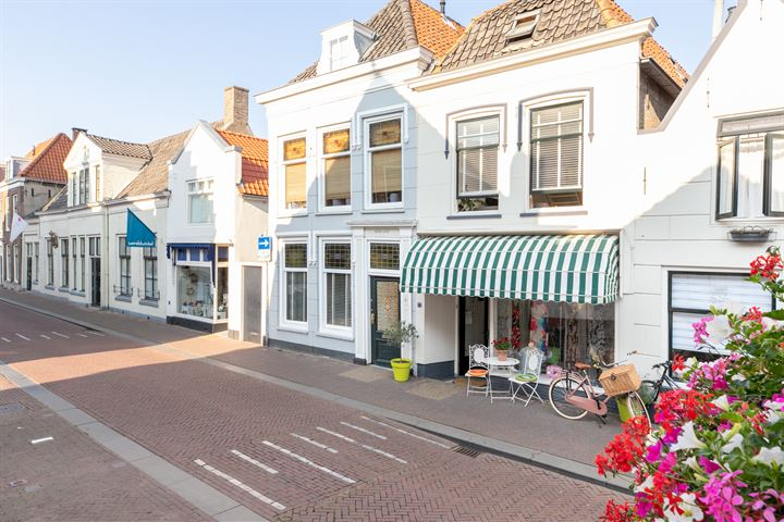 Voorstraat 77